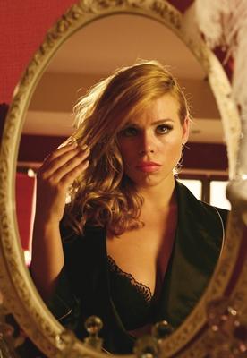 Szenenbild aus Secret Diary of a Call Girl | © Showtime Networks Inc., Tiger Aspect Productions