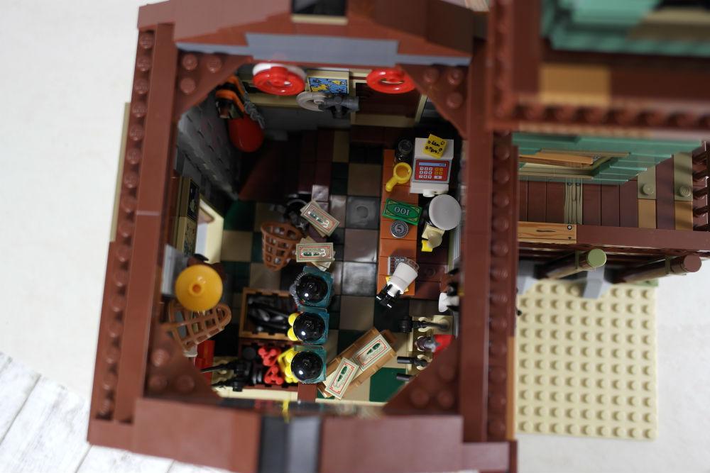LEGO Alter Angelladen von innen